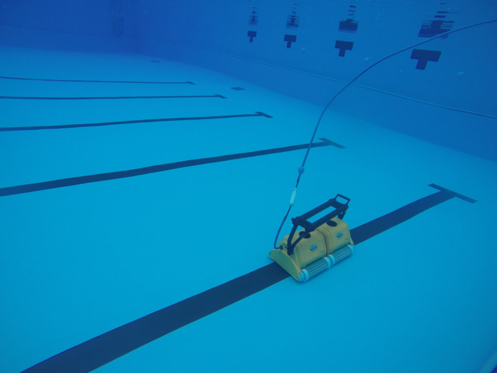 Commercial Robotic Dolphine Swimming Pool Cleaner Singapore